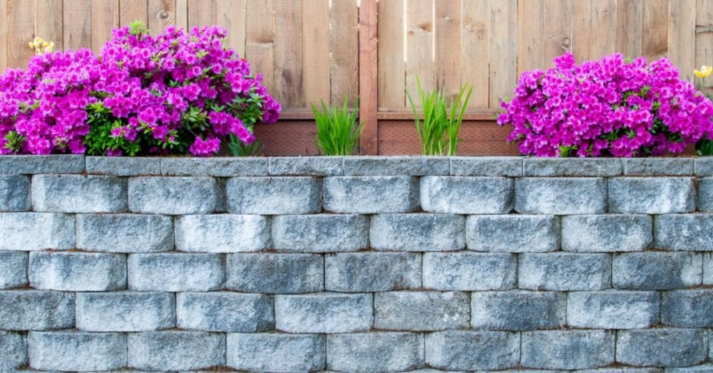 5 Distinctive Retaining Wall Designs to Consider for Your Home