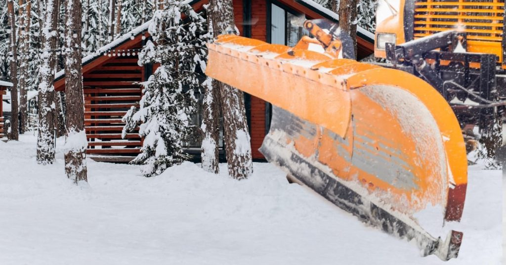 Hiring a Snow Plowing Company Now to Prepare for Winter